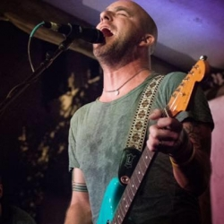 Dan Andriano - Live Music Review in Bristol