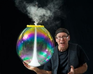 The Amazing Bubble Man at Redgrave Theatre in Bristol on Monday 17 February 2020