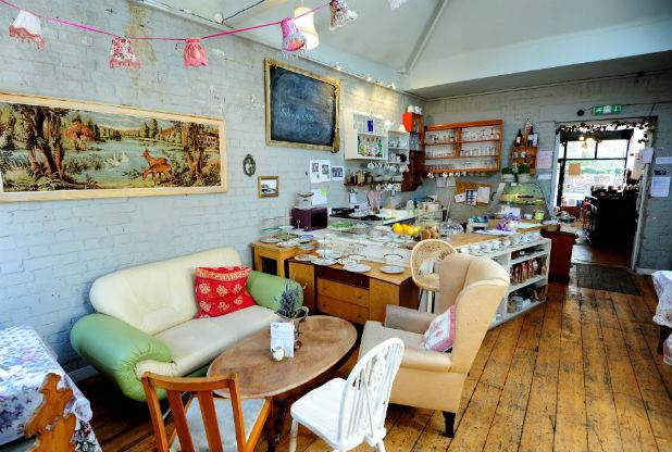 Cox and Baloney - 182-184 Cheltenham Road, Bristol, BS6 5RB